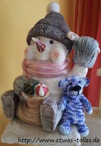 Friedrich mit einem Schneemann