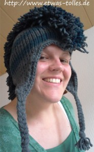 Mohawk-Earflap-Mütze getragen